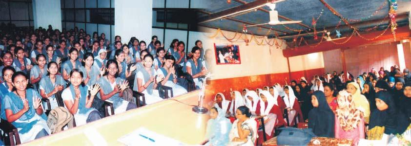 short essay on savitribai phule